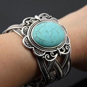 Jewelry - Vintage Tibetan Cuff